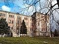 Заклад. Доброчинний інститут для сиріт та убогих Скарбека. Крило палацу.jpg
