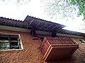 Краківська вул., 19 Кронштейни даху.JPG