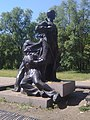 Пам'ятник на могилі криворізьких комсомольців-підпільників.jpg