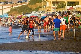كرة القدم على الشاطئ 4.jpg