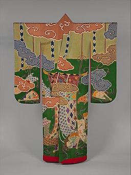 松葉地御簾几帳扇面吉祥模様打掛-Over Robe (Uchikake) with Design of Bamboo Blinds, Curtain Screens, Decorative Fans, and Auspicous Motifs MET DP330787