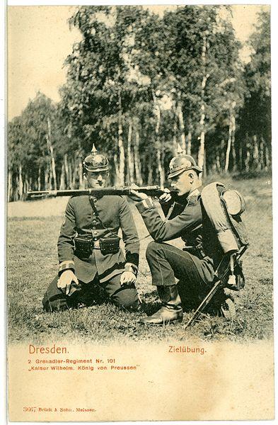 File:03667-Dresden-1903-2. Grenadier-Regiment Nr. 101 Kaiser Wilhelm, Zielübung-Brück & Sohn Kunstverlag.jpg