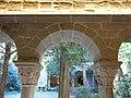 080 Monestir de Sant Benet de Bages, arcada del claustre, galeria nord.jpg
