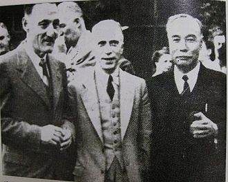Lyuh Woon-hyung - 1946 May, Lyuh Woon-Hyung (right), at the Soviet-US Committee.