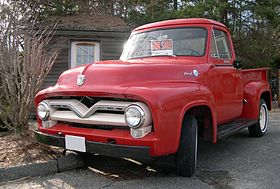 1955 Ford F-100 front.jpg