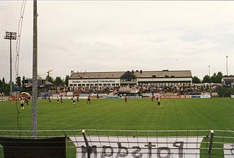 Sportpark Unterhaching - The stadium in 1998, viewed from the north stand