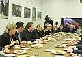 2011-02-03 Владимир Путин с коллективом Первого канала (2).jpeg