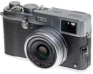 Fujifilm X100 - Image: 2013 Fujifilm X100S 2013 CP+
