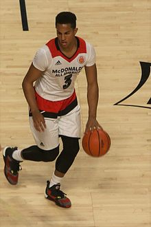 20160330 MCDAAG Frank Jackson at the top of the key.jpg