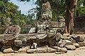 2016 Angkor, Preah Khan, Rzeźby strażników przed wejściem (03).jpg