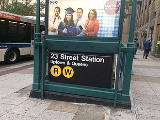 23rd Street (BMT Broadway Line) - Entrance to the station