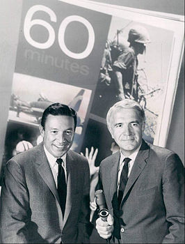 Mike Wallace en Harry Reasoner tijdens de première van 60 Minutes in 1968