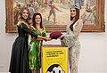 A Presidente do FUSSESP Lucia França recebe a Miss Mundo, Manushi Chhilar (39664605250).jpg