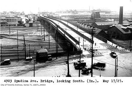Spadina bridge in 1927 Aerial view of Spadina bridge at Front 1927-5-27.jpg