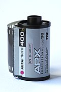 Agfaphoto APX 400 (new emulsion) 135 film cartridge 05.jpg