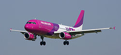 Airbus 320-200 Wizz Air 2.JPG