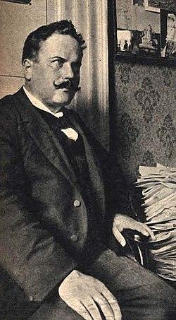 Alfredo Panzini 1905.jpg
