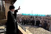 Ali Khamenei in Rahian-e Noor08.jpg