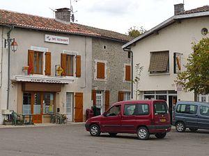 Alloue - Image: Alloue place