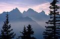 Alpenpanorama bei Füssen kurz nach Sonnenuntergang (7567558092).jpg