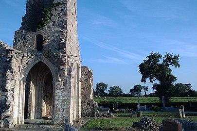 Ancienne église d'Auxais (6).jpg