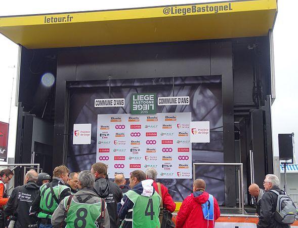 Ans - Liège-Bastogne-Liège, 26 avril 2015, arrivée (B01).JPG