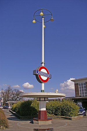 Oakwood tube station - The Art Deco seat and station sign