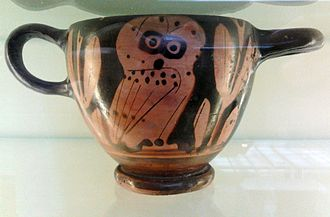 Cotyla - Corinthian Cotyla cup with an owl (5th century BC), National Museum in Warsaw.