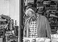 Au kiosque Cambronne, Paris juin 2014 001.jpg