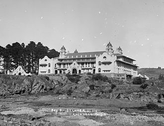 Auckland Grammar School - The main building shortly after its completion in 1916