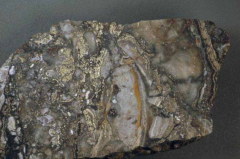 File:Auriferous brecciated quartz-adularia rhyolite (Sleeper Rhyolite Gold Ore, Nevada) 1 (14719259472).jpg