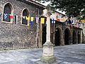 Avilés, Iglesia de S. Nicolás de Bari y crucero.JPG