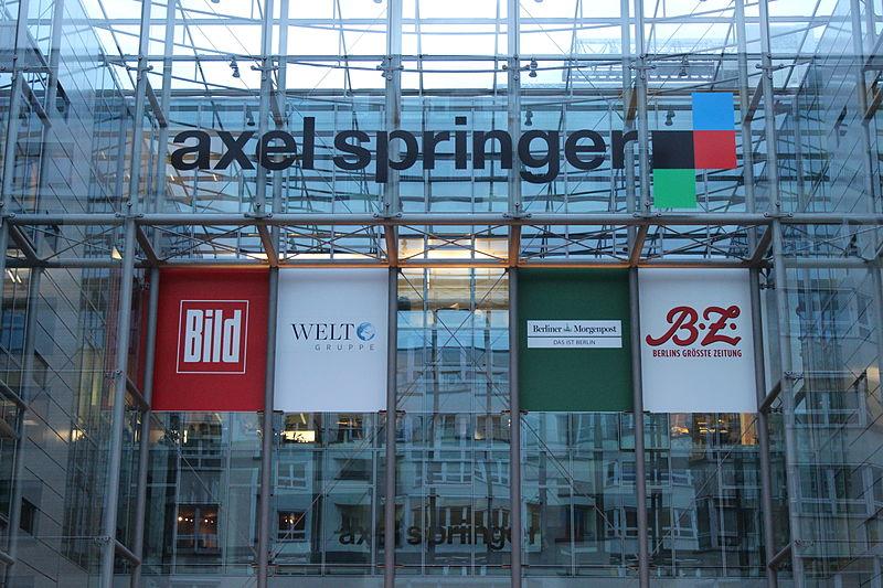 Axel Springer Geb%C3%A4ude und Logo.JPG