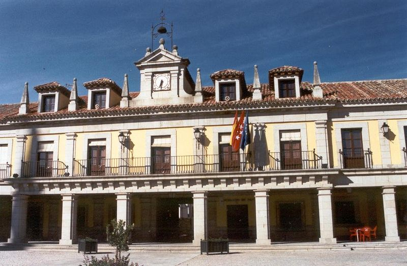 external image 800px-Ayuntamiento_de_Brunete.jpg