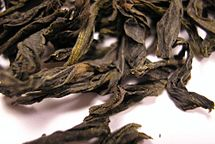 BZC Oolong tea leaf close.jpg