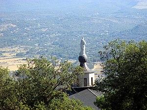 """Bajando desde """"El menejador"""" por la senda. Vista del Santuario -2-.JPG"""