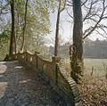 Bakstenen brugleuning (waarschijnlijk), bij hertenkamp - Oranjewoud - 20405928 - RCE.jpg