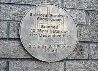 1971 Balmoral Furniture Company bombing - Plaque commemorating the bombing on the side of Shankill Leisure Centre