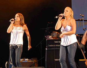 Bananarama - Bananarama live in Audley End, Essex, UK, 28 July 2007.  L–R: Keren Woodward and Sara Dallin
