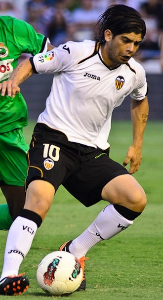 Éver Banega - Banega in action for Valencia in 2011