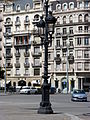 Barcelona Street Life (7852429016).jpg