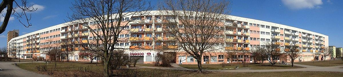 Polski: Falowiec na osiedlu Błonie