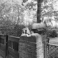 Bekroning van stenen eend van toegangshek. - Wassenaar - 20250657 - RCE.jpg