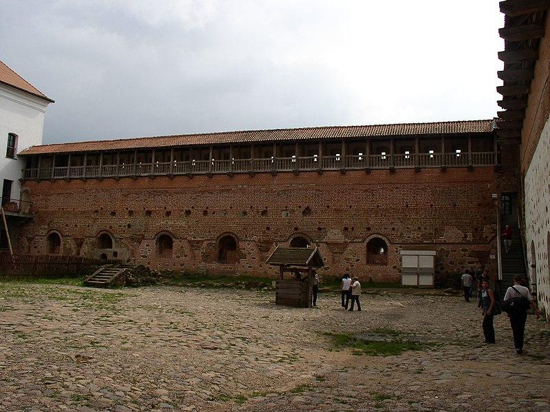 Выява:Belarus-Mir-Castle-11.jpg