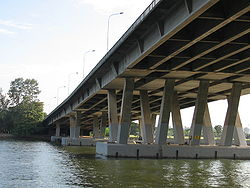 Benjamin Sheares Bridge Oct 05.JPG