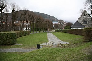 Christ Church, Bergen - Outline of Christ Church. The hedge is placed where the outer walls are thought to have been.