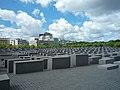 Berlin, Denkmal für die ermordeten Juden Europas 2014-07 (5).jpg