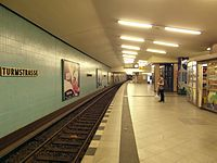 Berlin - U-Bahnhof Turmstraße (9487950731).jpg