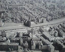 Versöhnungskirche Bernauer Straße, unbekannt (Bundesrepublik Deutschland) [Public domain], via Wikimedia Commons