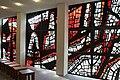 Betonglasfenster in der Kapelle der Katholischen Akademie Freiburg, 1967.jpg